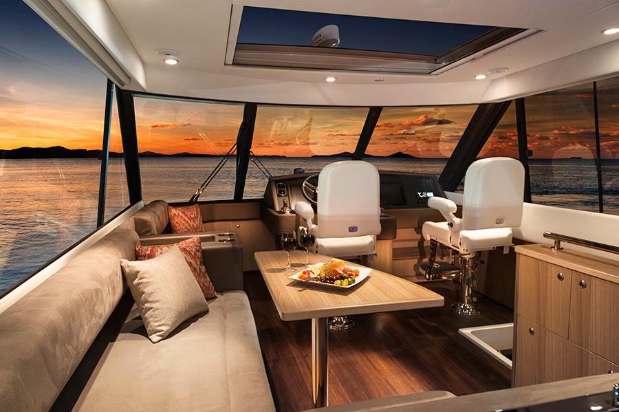 Riviera-57-Enclosed-Flybridge-2