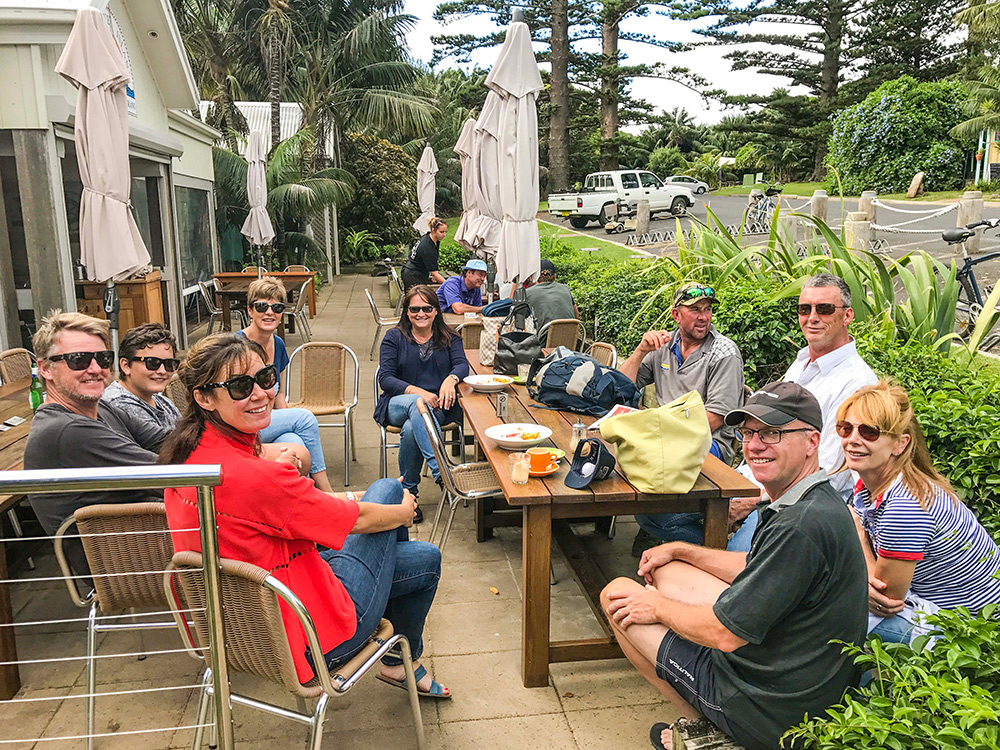 Sharing-coffee-at-the-local-Lord-Howe-Cafe-EDIT