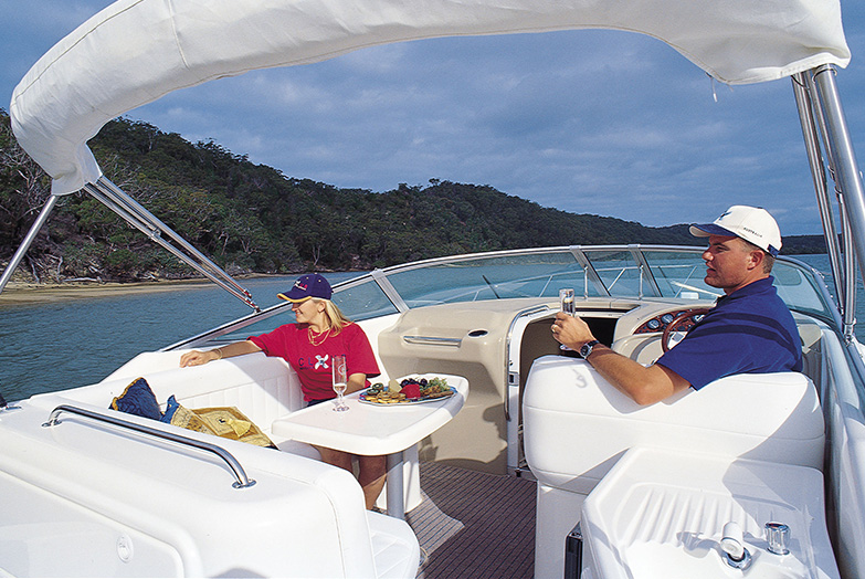 Entertainer deck aboard the Riviera 3000 Offshore Series I.