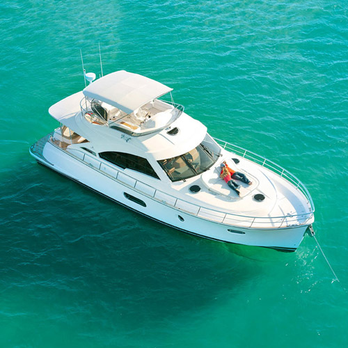 Riviera to display the timeless classic Belize 54 Daybridge at two Florida Boat Shows