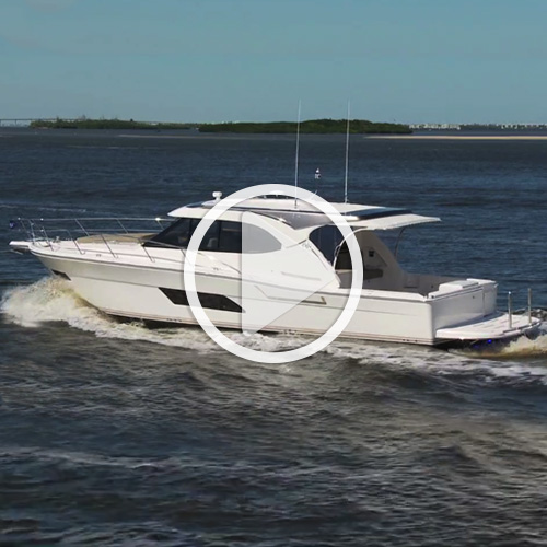 The Riviera 445 SUV is the waterborne version of a Swiss Army knife -  BoatTEST.com