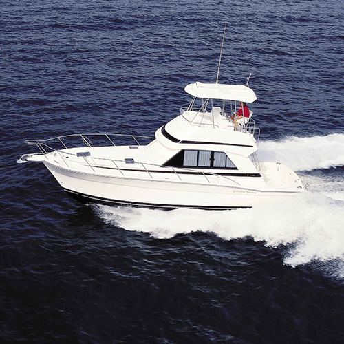 CLASSIC RIVIERA - 36 FLYBRIDGE Ideal for an entertaining couple