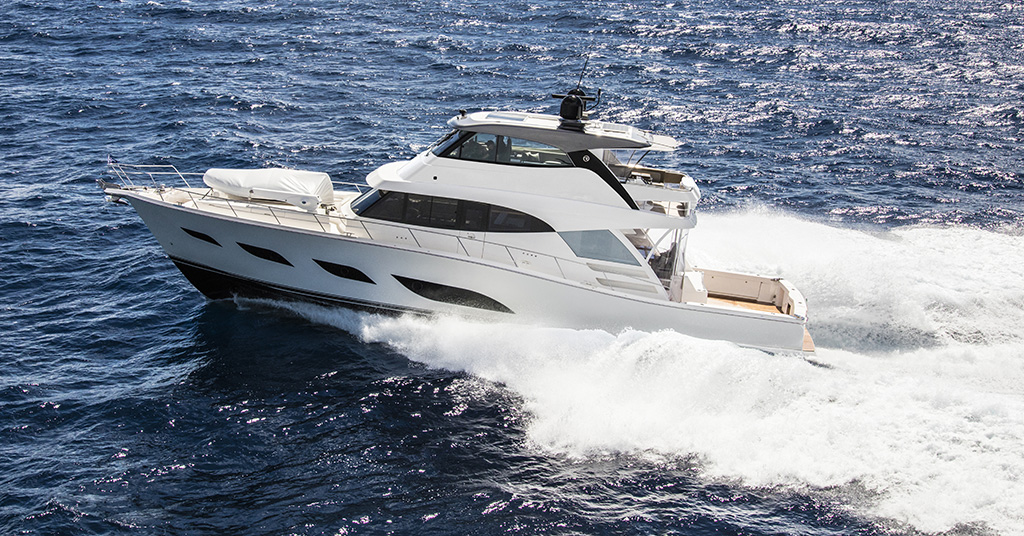 Riviera 72 Sports Motor Yacht Running 10 White Flybridge white hull