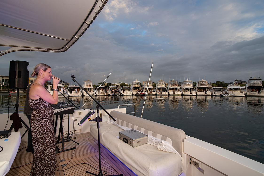 The vocal duo entertained guests during the late afternoon.