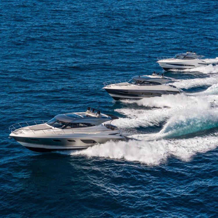 "Powerboat-World.com at the helm of Riviera's  Platinum Edition for a 420 nm passage: ""Delivers on all levels …"""