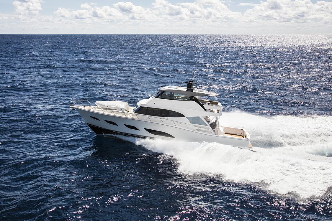 Riviera 72 Sports Motor Yacht Running 10 White Flybridge white hull